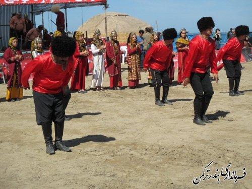 برگزاری جشنواره بومی محلی در محل شنای بندرترکمن