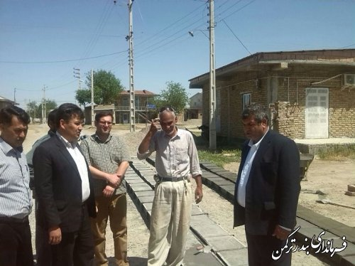 بازدید بخشدار مرکزی و رئیس بنیاد مسکن شهرستان از پروژه طرح هادی در حال اجرای روستای خواجه لر