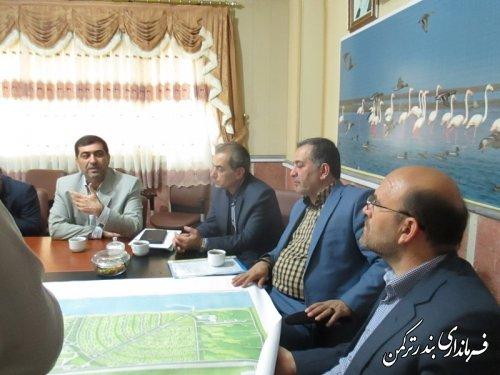 دیدار معاون هماهنگی امور اقتصادی و توسعه منابع استاندار گلستان با مدیر عامل شرکت آسمان خزر در فرمانداری ترکمن
