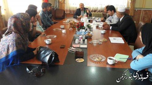 نشست فرماندار با مدیران شبکه های مجازی و رسانه های شهرستان ترکمن