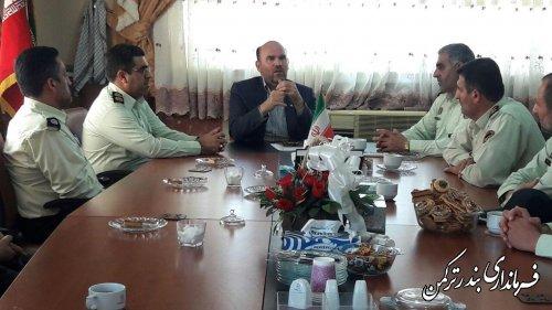 دیدار فرمانده و کارکنان نیروی انتظامی شهرستان ترکمن با فرماندار