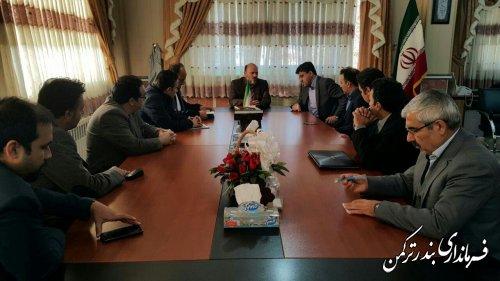 نشست فرماندار با سرمایه گذاران حوزه برق در شهرستان ترکمن