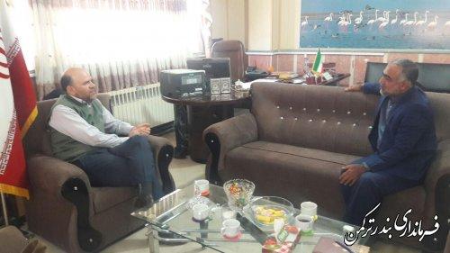 دیدار سرمایه گذار حوزه کشاورزی با فرماندار شهرستان ترکمن