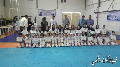 حضور فرماندار در مراسم تجلیل از قهرمانان مسابقات کشوری کاراته بانوان شهرستان ترکمن