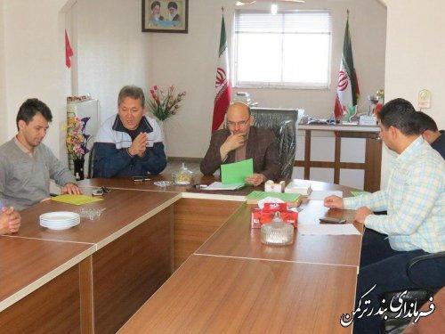 فرماندار با رئیس و کارکنان اداره ورزش و جوانان شهرستان ترکمن دیدار کرد