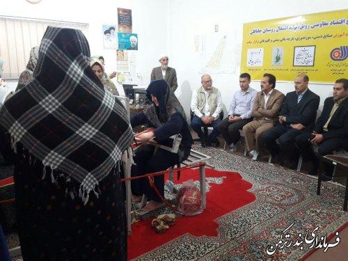 بازدید معاون فرماندار از کارگاه آموزشی صنایع دستی روستای چپاقلی