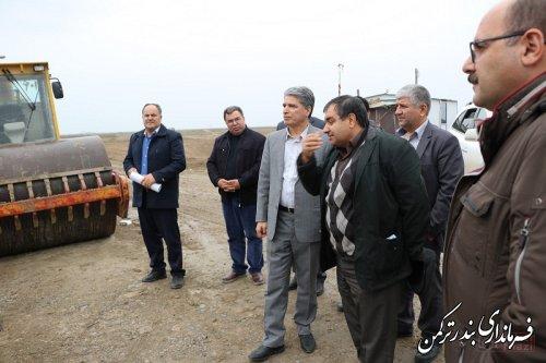 بازدید سرپرست فرمانداری ترکمن از طرح زهکشی اراضی کشاورزی شهرستان