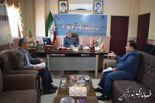 دیدار مدیر شبکه بهداشت و درمان شهرستان ترکمن با فرماندار