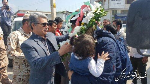 استقبال از مدافعان حرم توسط فرماندار و مسئولین شهرستان ترکمن