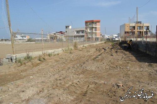 بازدید فرماندار از زمین های والیبال ساحلی شهرستان ترکمن