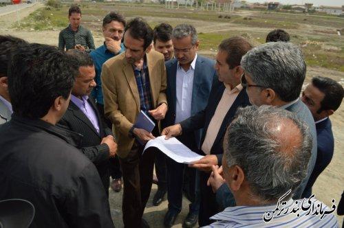 بازدید فرماندار از طرح بهسازی جاده سلامت شهرستان ترکمن