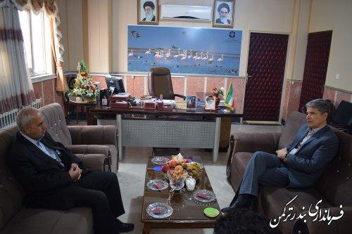 دیدار مدیرکل امور ماهیان خاویاری استان با فرماندار ترکمن