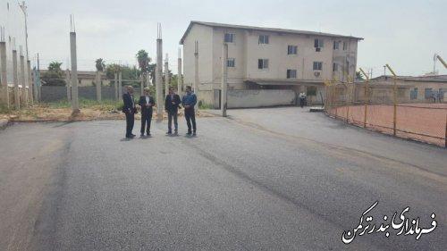 بازدید فرماندار از پروژه جاده سلامت در استادیوم شهید قاندومی