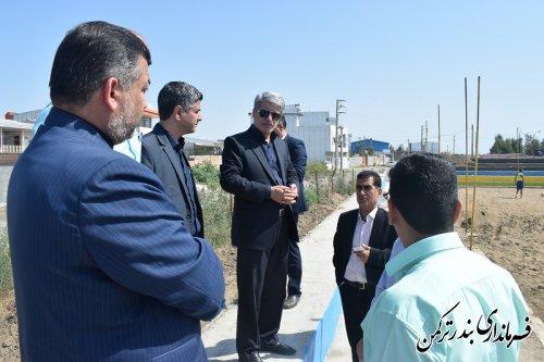 بازدید فرماندار از روند آماده سازی زمین والیبال ساحلی شهرستان ترکمن