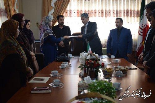 آئین تکریم و معارفه رئیس اداره کتابخانه عمومی شهرستان ترکمن برگزار شد