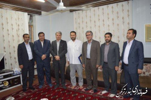 """دیدار فرماندار ترکمن با خانواده شهید """"محمدامین اونق"""""""