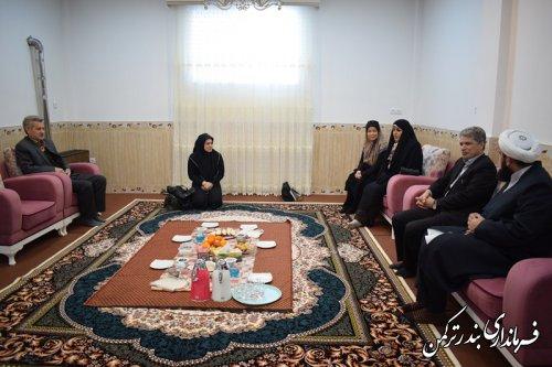 دیدار فرماندار ترکمن و مدیرکل بانوان و خانواده استانداری با امام جمعه اهل سنت شهرستان