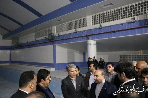 بازدید وزیر ورزش و جوانان از استخر نیمه کاره شهرستان ترکمن