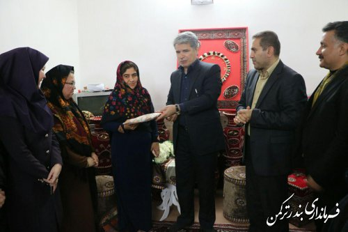 بازدید فرماندار ترکمن از کارگاه های تولید صنایع دستی