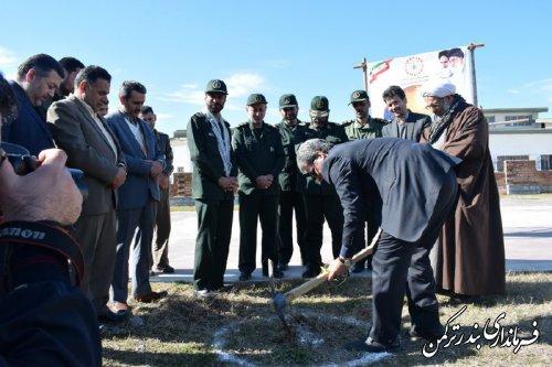المان مزار شهدای گمنام شهرستان ترکمن کلنگ زنی شد