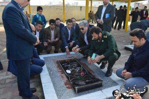 غبارروبی و عطرافشانی مزار شهدای بهشت فاطمه شهرستان ترکمن
