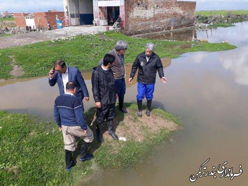 بازدید فرماندار و اعضای ستاد مدیریت بحران شهرستان ترکمن از مناطق و اراضی سیل زده