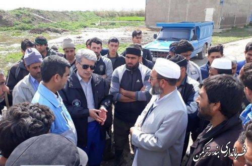 بازدید فرماندار ترکمن از روستاهای شهرستان و محل اسکان سیل زدگان گمیشان