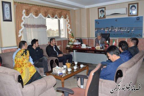 دیدار جمعی از ورزشکاران با فرماندار شهرستان ترکمن