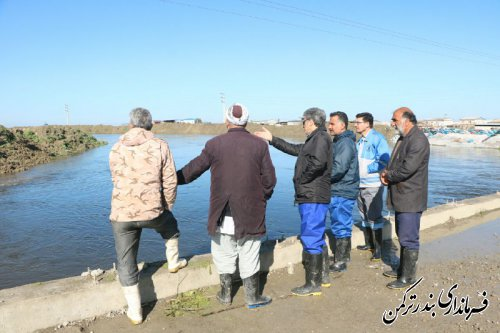 بازدید  فرماندار ترکمن از وضعیت سیلاب رودخانه قره سو و پل نیازآباد