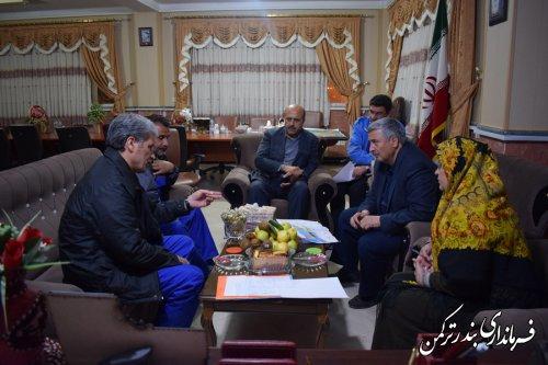 سرپرست استانداری گلستان با حضور در فرمانداری شهرستان ترکمن آخرین وضعیت مهار سیلاب را بررسی کرد