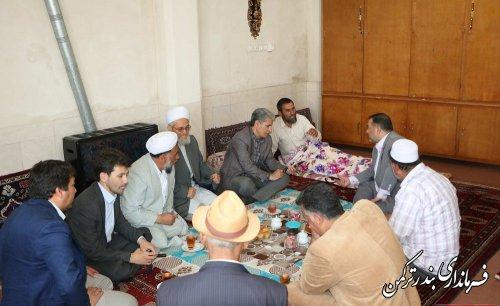 عیادت فرماندار ترکمن از تلاشگر سازندگی و جهادی روستای قره قاشلی