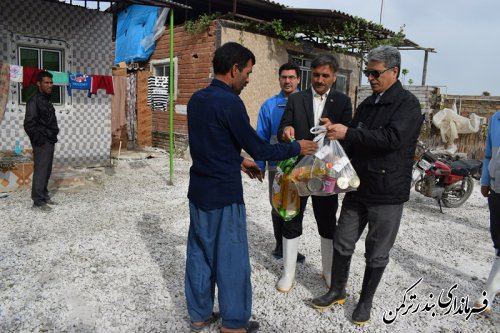 پیگیری وضعیت روستای سیل زده آقسین تپه توسط فرماندار ترکمن
