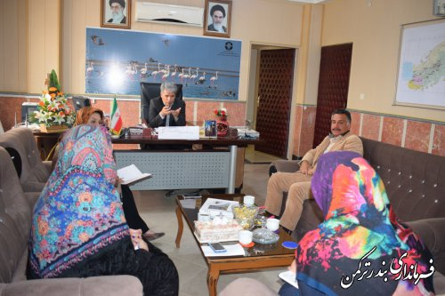 جلسه بررسی وضعیت زنان آسیب دیده از سیلاب در شهرستان ترکمن برگزار شد