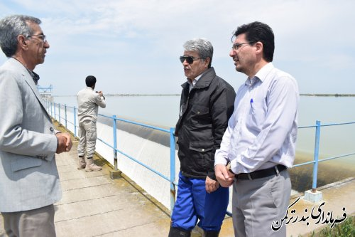 بررسی میدانی فرماندار ترکمن از وضعیت سد وشمگیر و آب های روان منتهی به سمت رودخانه قره سو