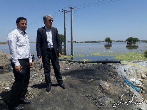 بررسی وضعیت سیلاب سه راهی قره تپه توسط فرماندار ترکمن