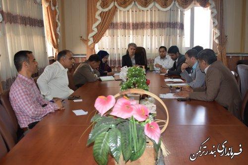 جلسه بررسی مشکلات اجرای قانون واگذاری انشعاب موقت به ساختمان های فاقد پروانه در شهرستان ترکمن برگزار شد