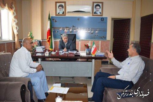 نشست رئیس هیات سوارکاری شهرستان با فرماندار ترکمن