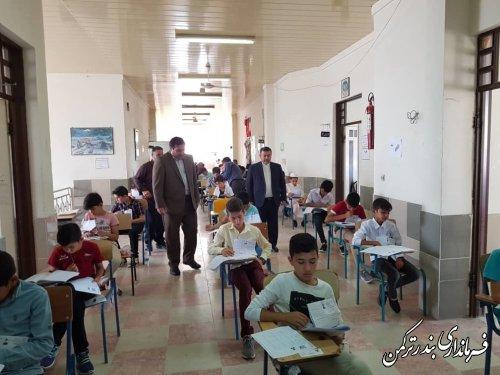 بازدید معاون سیاسی، امنیتی و اجتماعی فرماندار ترکمن از روند برگزاری آزمون ورودی مدارس استعدادهای درخشان شهرستان