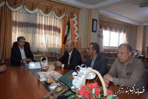دیدار رئیس و کارکنان  مرکز آموزش فنی و حرفه ای شهرستان ترکمن با فرماندار