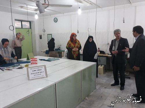 بازدید فرماندار ترکمن از تولیدی پوشاک مدارس هنرستان شهید غزه