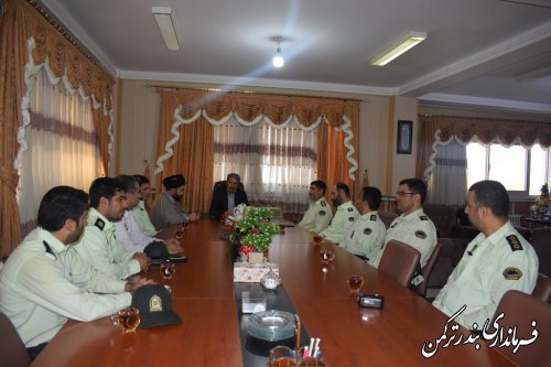 دیدار فرمانده و کارکنان انتظامی شهرستان ترکمن با فرماندار