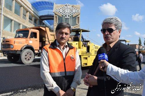 بازدید فرماندار ترکمن از پروژه روکش آسفالت مسیر اسکله
