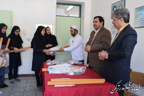 بازدید فرماندار شهرستان ترکمن از هنرستان دخترانه شهدای غزه