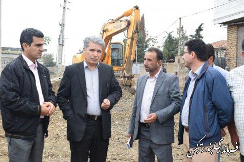 بازدید فرماندار شهرستان بندر ترکمن از روند اجرای طرح هادی روستای خواجه لر