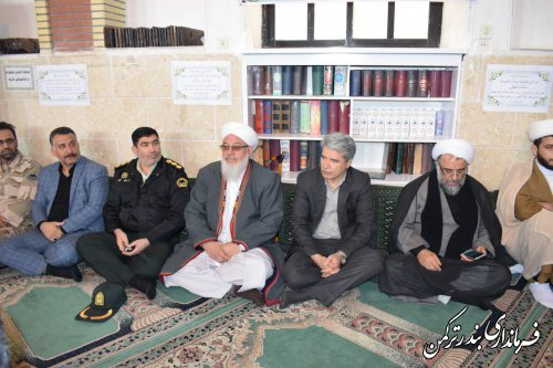سردار حاج قاسم سلیمانی شهیدی است که چهل سال برای اسلام و مملکت خود خدمت کرد