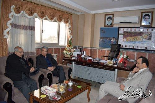 نشست رئیس دانشگاه پیام نور استان با فرماندار شهرستان ترکمن