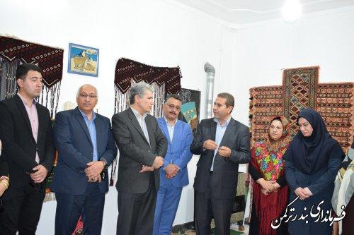 بازدید فرماندار از خانه خلاق صنایع دستی بندرترکمن