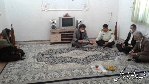 """دیدار مدیرکل سیاسی، انتخابات و تقسیمات کشوری استانداری با خانواده شهید """"موسی ایری"""""""