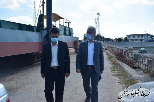 بازدید سرپرست فرمانداری ترکمن از خلیج گرگان و ظرفیت های صنعت خاویاری استان در آشوراده