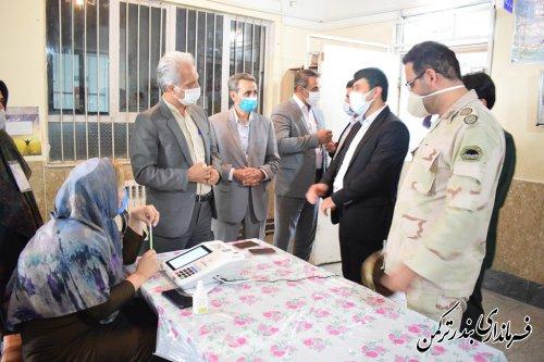 بازدید دبیر ستاد انتخابات استان از شعب اخذ رای شهرستان ترکمن